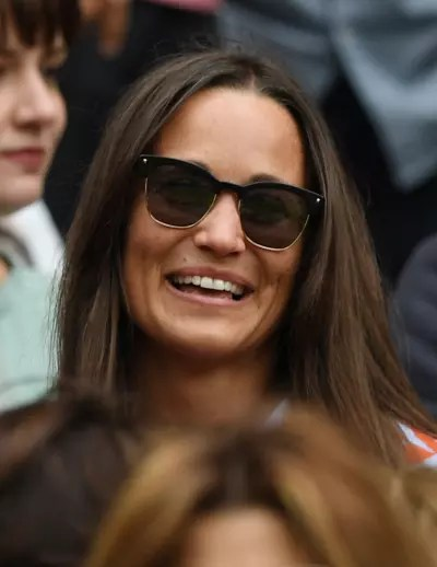 Pippa Smiles Broadly