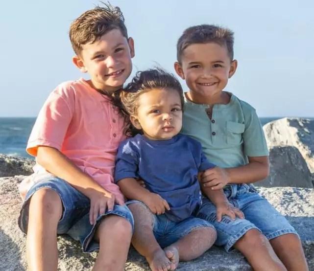 Kailyn lowry three sons on the beach