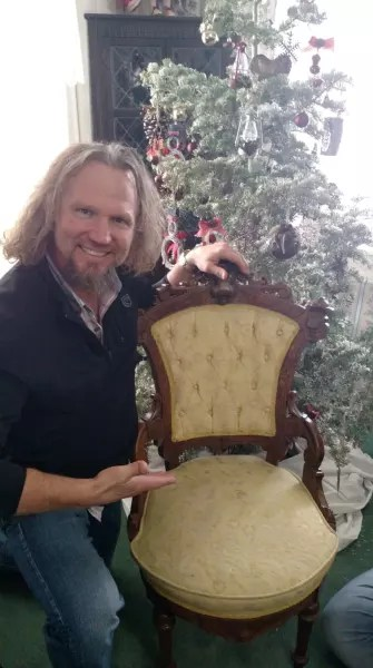 Kody Brown Shows Off His Chair