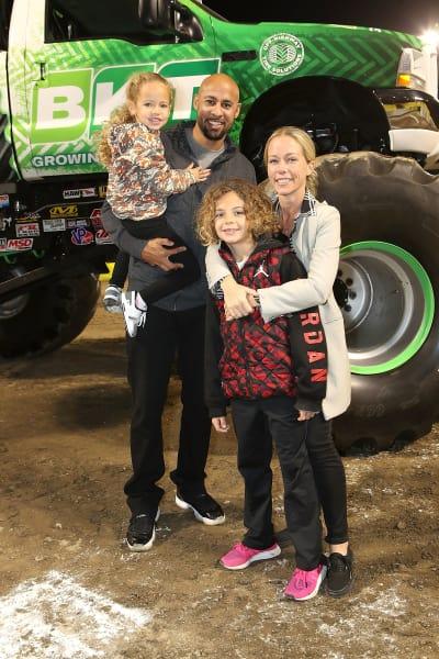 Kendra, Hank, Kids