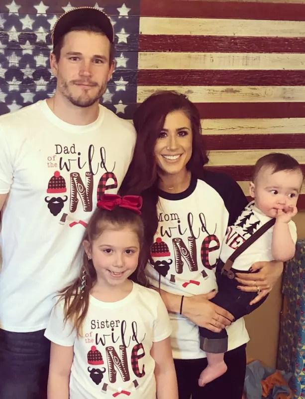 Chelsea houska and family