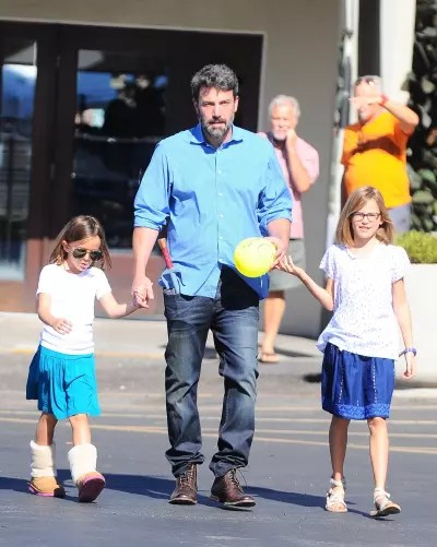 Ben Affleck With Daughters
