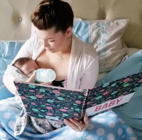 Amber Portwood Poses with Baby