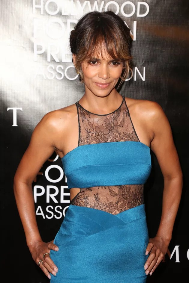 Halle Berry Stops Wearing Wedding Ring Did She Dump