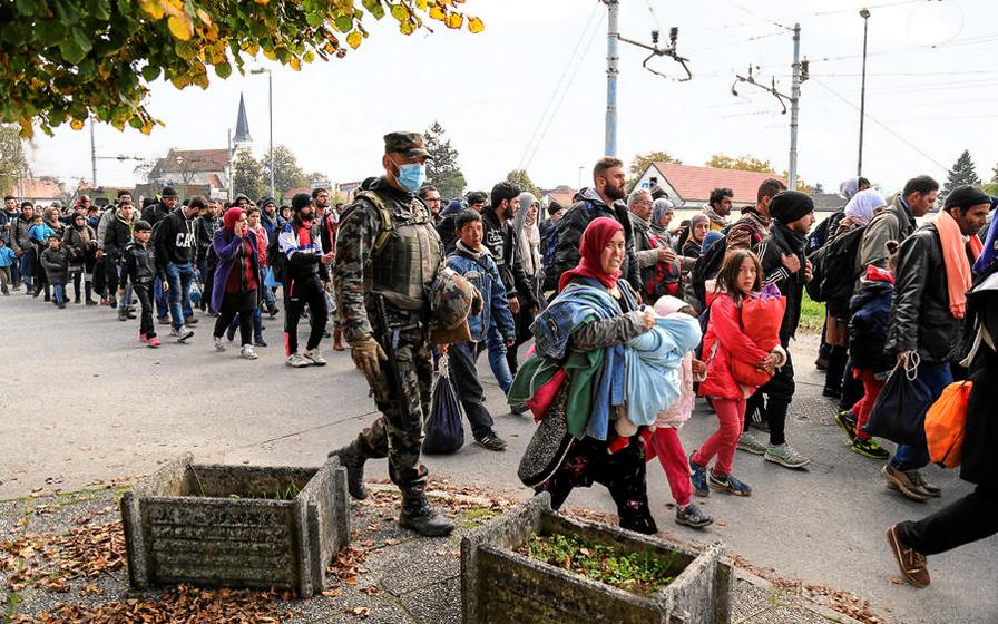 Slovenska_vojska_tudi_med_vikendom_v_velikem_številu_pri_podpori_Policiji_01_B.jpg