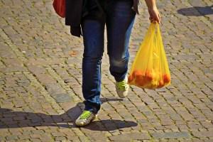 Sales of plastic bags in England decrease