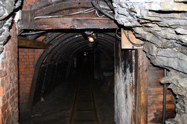 mining-168267_640