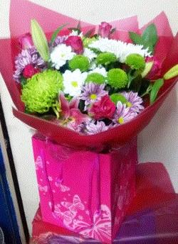 pink-lily-rose-bouquet-the-little-flower-indoor-bouquets-flowers-plants-florist-london-the-little-flower-shop-florist