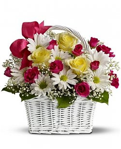 rose-basket-arrangement-basket-of-flowersflower basket-flower arrangement-mothers day-pink flowers-rose-chrysanthemum bouquet-flowers-the little flower shop-florist-london-flower-shop