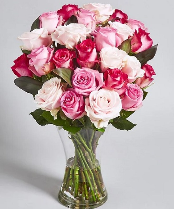pink-rose-bouquet-mixed-pink-rose-flowers-50-roses-bouquet-the-little-flower-shop-hand-tied-bouquet