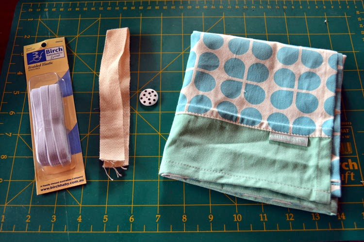 Finish Along Quarter 1 Tutorial Week – Plastic Bag Tidy With