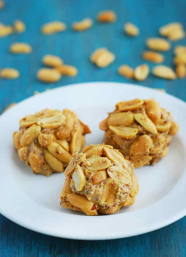 Peanut Butter Balls - nutritious, delicious and perfect as a quick breakfast or dessert.