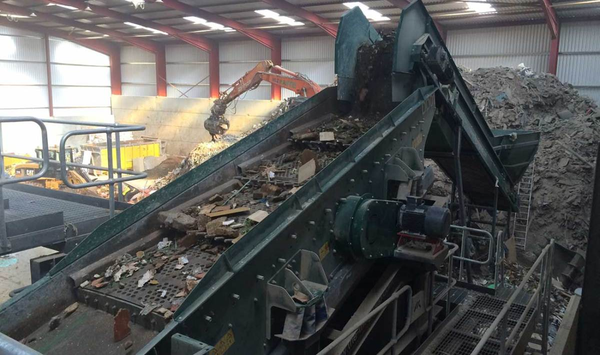 Waste Screen 2 Deck Waste Screen resolves Trommel Fines Cleanup