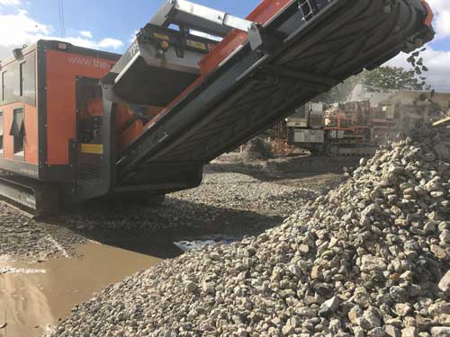Recycled Aggregate Production continues to increase Tracked Picking Station