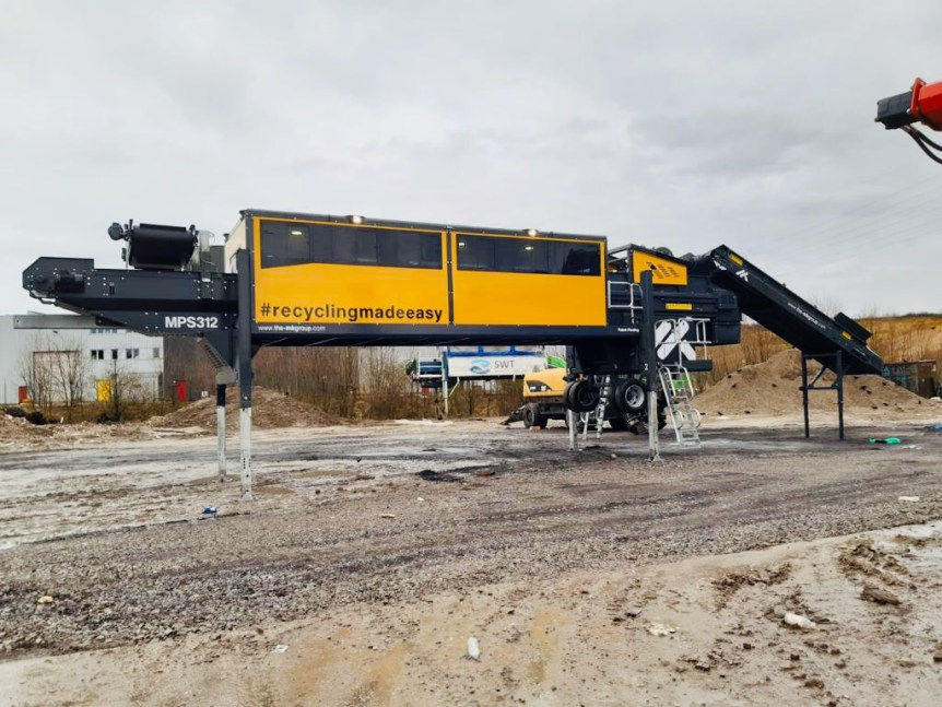 Mobile Picking Station with Feeder