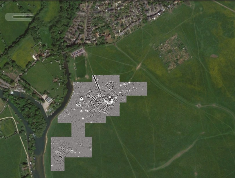 ABOVE A recent geophysical survey of Port Meadow in Oxford revealed the remains of a First World War flying training aerodrome. BELOW Bristol F.2 Fighters on Port Meadow.