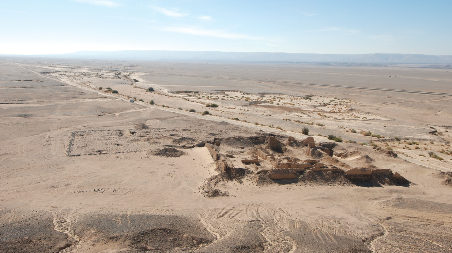BELOW This view of the fortlet at Al-Heila in the Eastern Desert of Egypt emphasises how