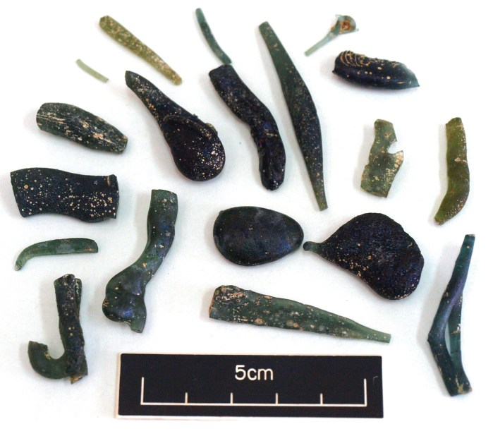 RIGHT Threads, pulls, runs, and droplets typical waste finds at glass-production sites (in this case from Glasshouse Lane, Kirdford in West Sussex). They usually result from gathering a small amount of molten glass on an iron rod to sample the melt for defects, viscosity, and suitability for working.
