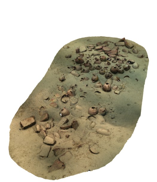 RIGHT Photogrammetry has allowed the creation of a detailed digital version of the wreck prior to excavation. The surviving cargo indicates