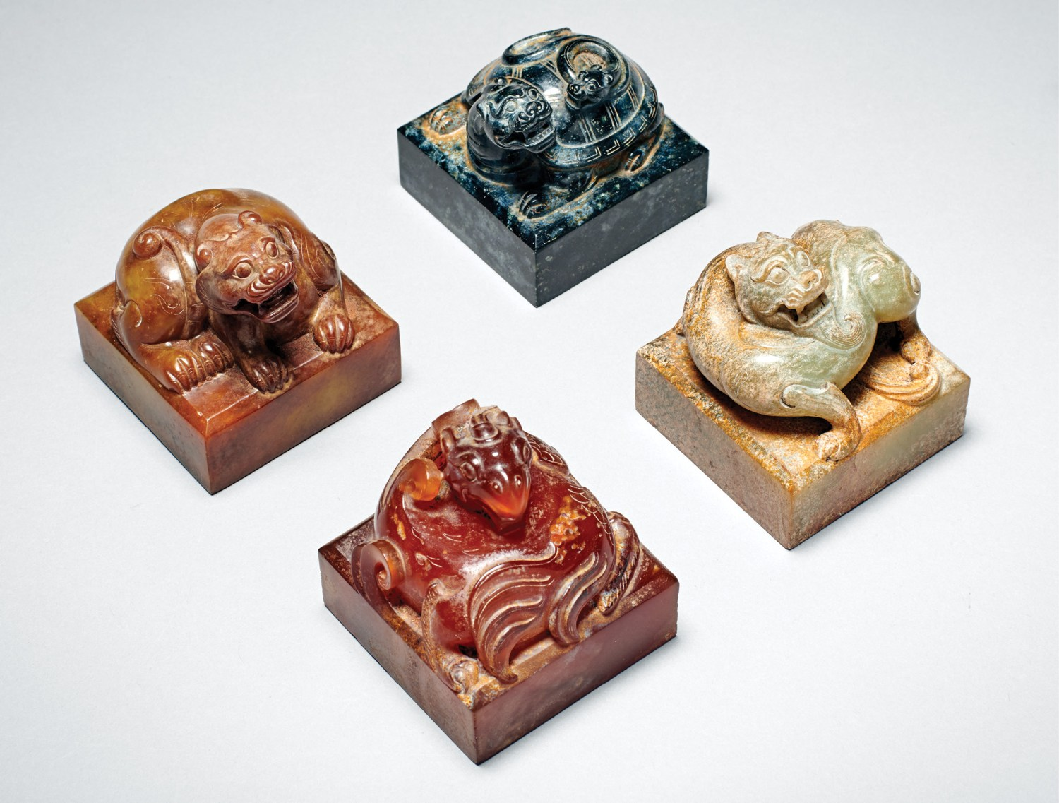 above Set of seals in jade and agate with the animals of the four cardinal directions, Han dynasty, 206 BC-AD 220. Size: 5.6 x 5.5cm