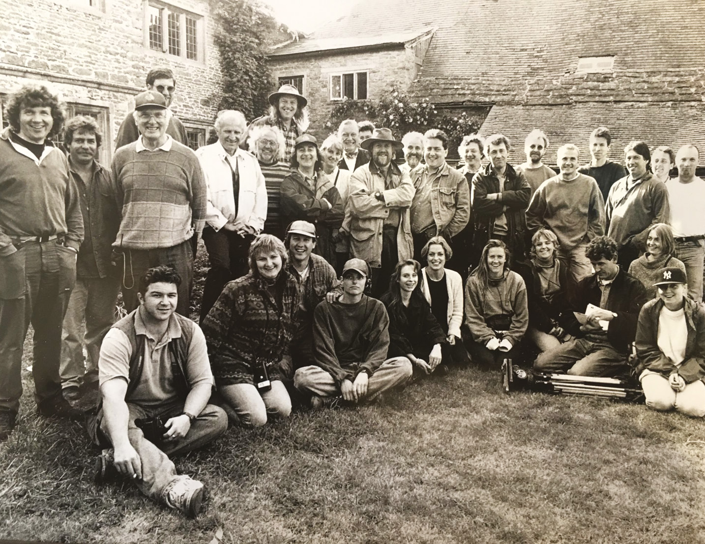 below A group shot of the excavation team and production crew, taken early in Time Team's history.