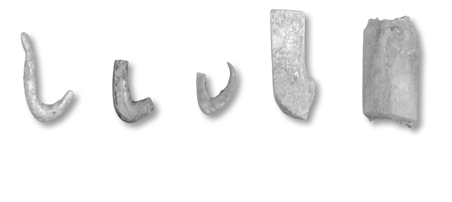above Activity at the temples was not restricted to worship. Craft activity could also occur, such as producing fishhooks (A-C), with (D) representing an unfinished example, while (E) is cut bone.