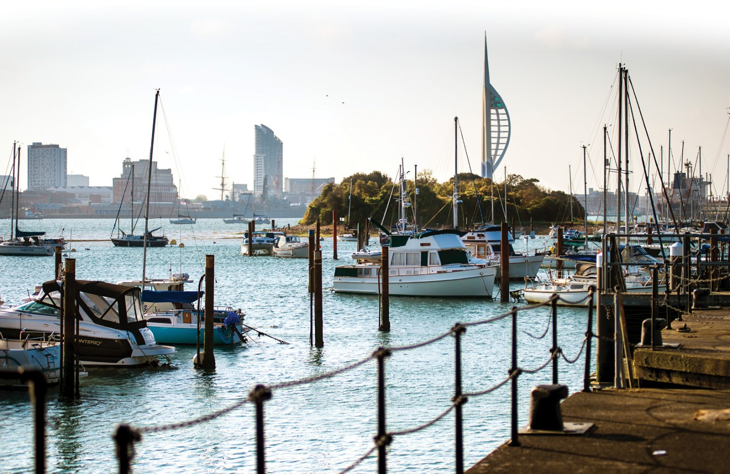 above & below Situated in Portsmouth Harbour, the excavation site could be reached via a narrow causeway exposed every day as the tide receded.