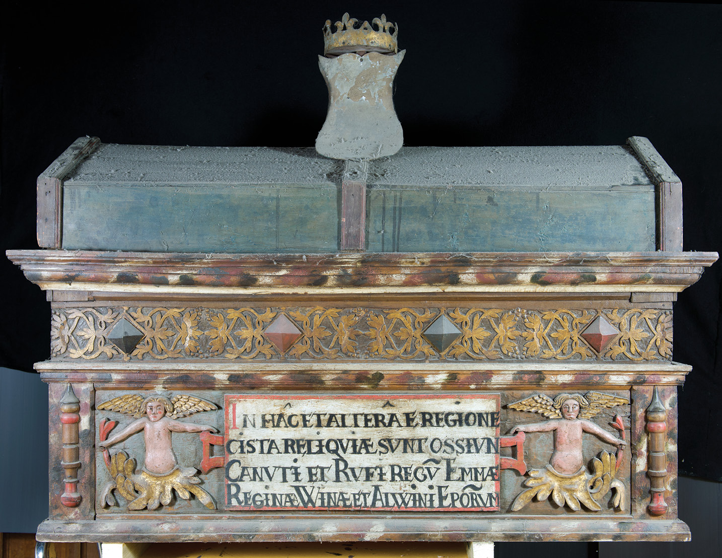 above Does this chest, normally placed with five others on the Presbytery Screen in Winchester Cathedral (BELOW) contain Cnut's mortal remains, as its label suggests? Ongoing forensic investigation may hold the answer.