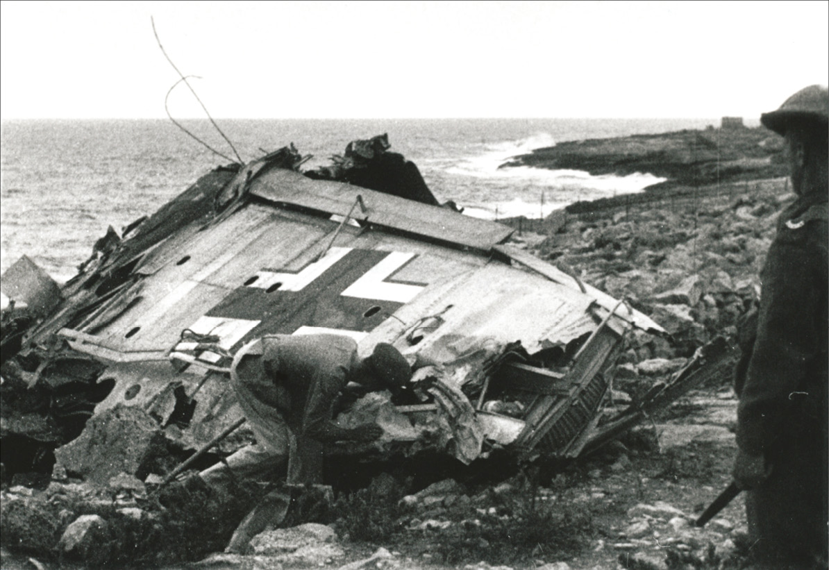 ABOVE left A Ju 87 that suffered a forced landing on 3 May 1942, with fatal result for the pilot, Gefreiter Karl Haf. The wireless operator, Gefreiter Fritz Weber, was injured but survived. ABOVE RIGHT Gefreiter Haf's crash-site at Żonqor in more recent times.