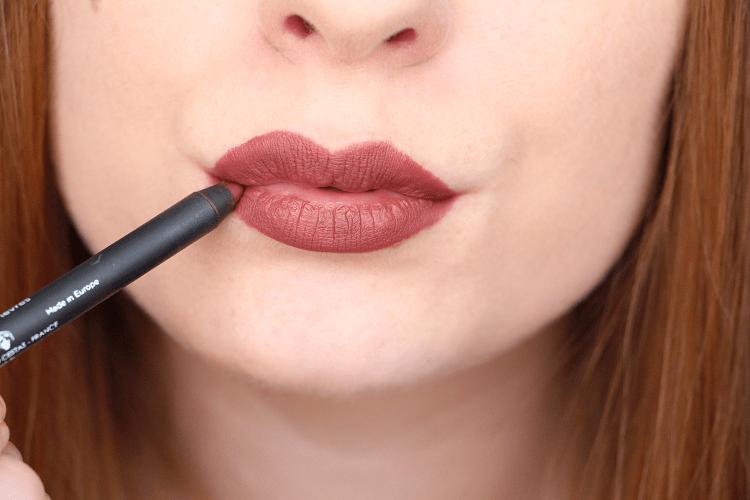 Crayon à lèvres 11 Adopt'