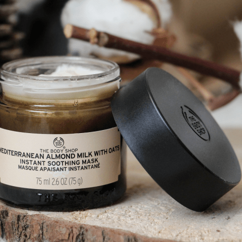 Une peau douce avec le masque exfoliant The Body Shop