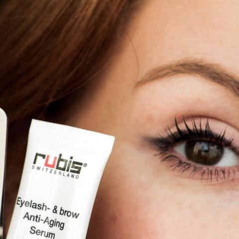 Prendre soin de ses sourcils avec RUBIS