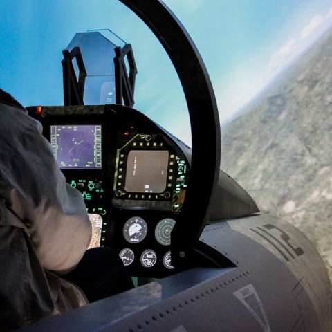 Prendre les commandes d'un avion, une expérience insolite