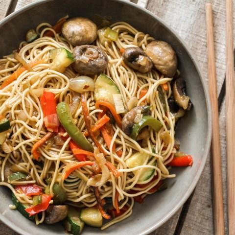 Wok aux légumes, sauce miel & soja