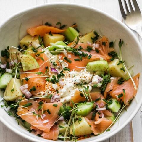 Salade gourmande de saumon fumé