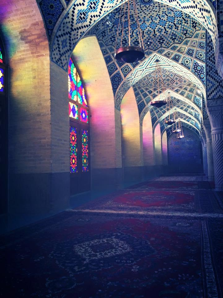 Interior Masjid Nasirol Molk