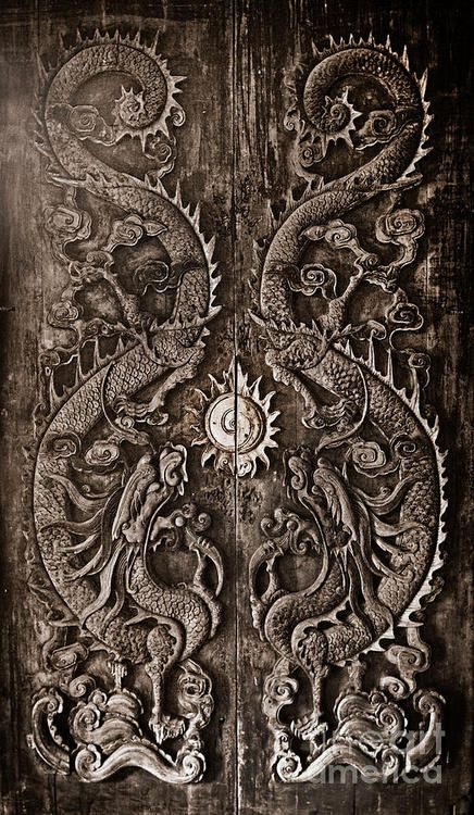 200-year-old-door-carved-with-the-dragon-god-in-the-ancient-city-of-dragon-door-design-l-7e96c47e45e625f7 - Copy