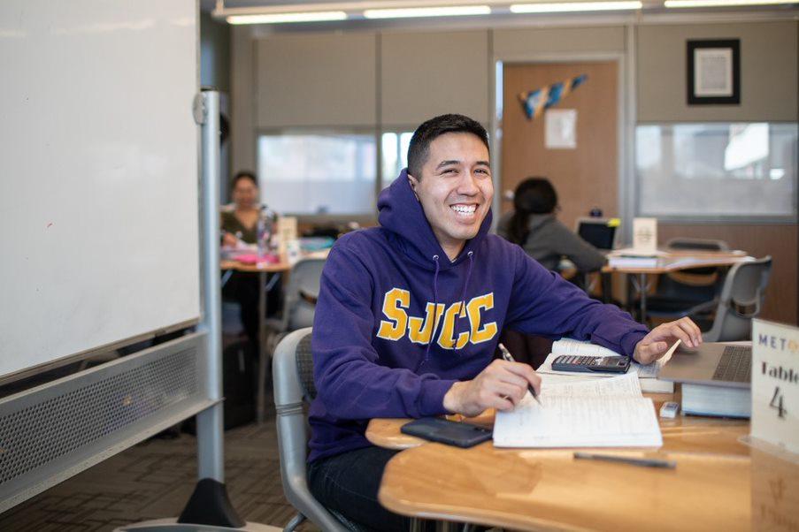 SJCC student, Matthew Zarate participates in Peer Led Tutoring at the METAS Center on campus.