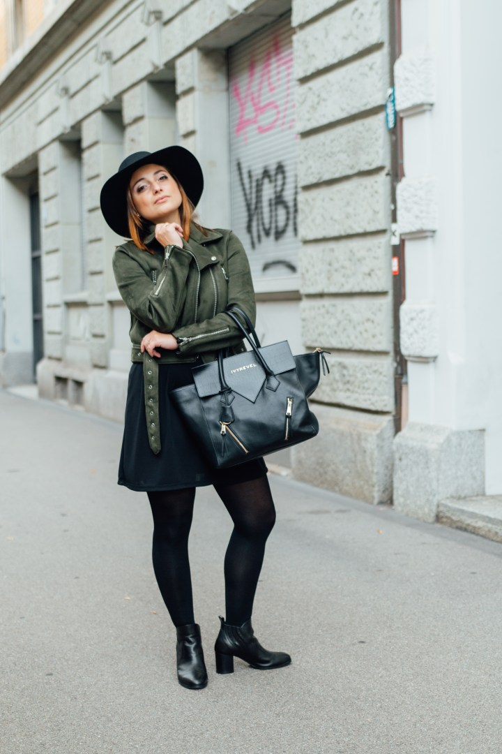 Streetlook street style with hat and boots