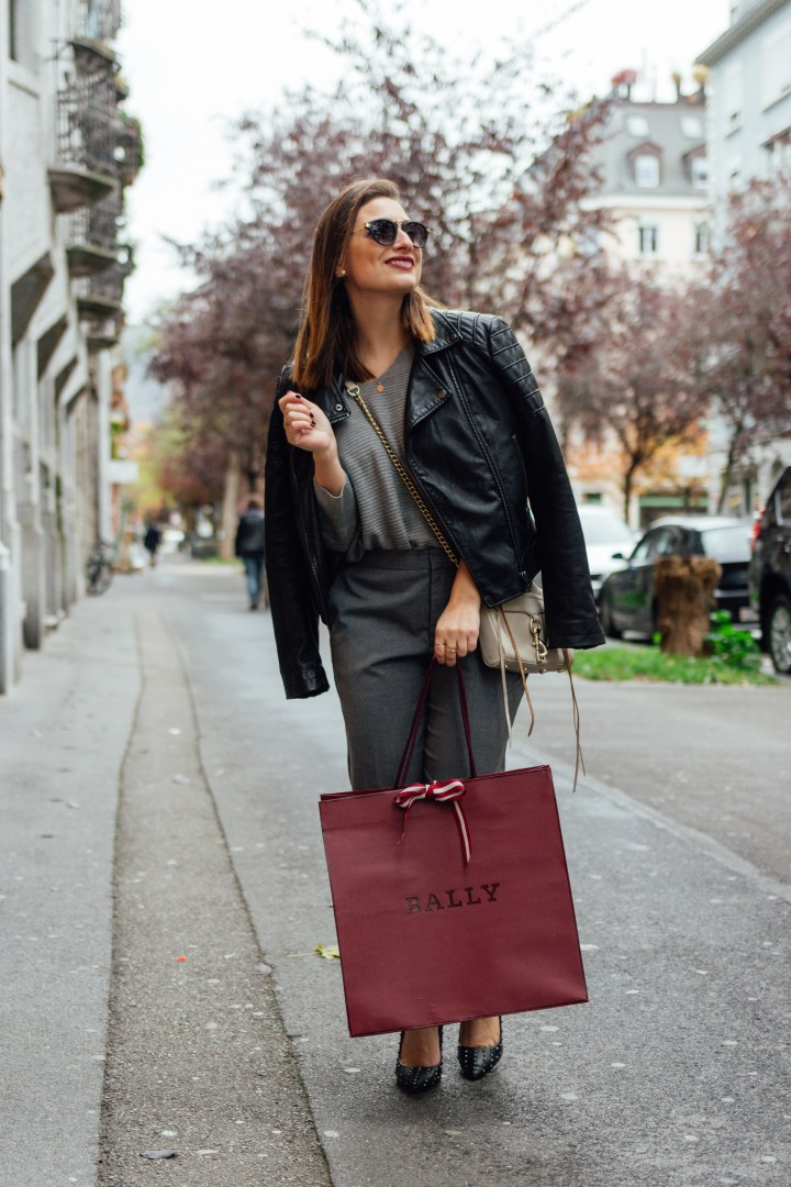 Clarissa C. with red bally bag in Zürich