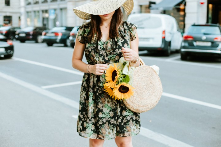 Summerdress, Sunflowers and love