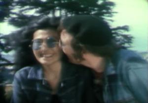 Man in the Mirrorに出てくるJohn & Yokoの画像