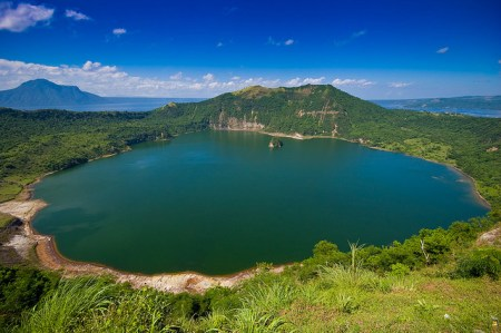 Crater lake, taal lake, taal volcano