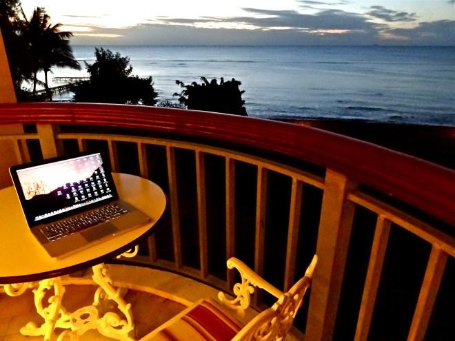 save money to travel, digital nomad