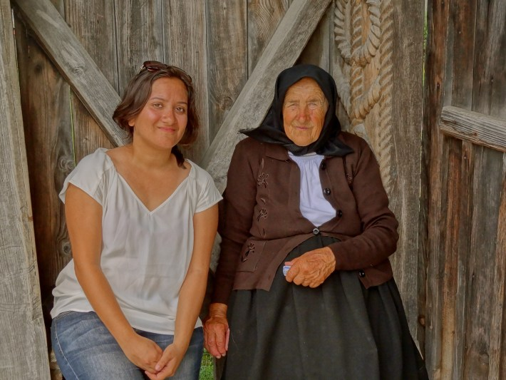 Romanian women, Romania people, Romanian culture