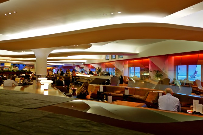 Virgin clubhouse Heathrow, virgin upper class lounge london