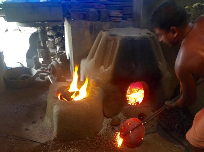 metal mirror kerala, kerala crafts, kerala culture, kerala travel guide