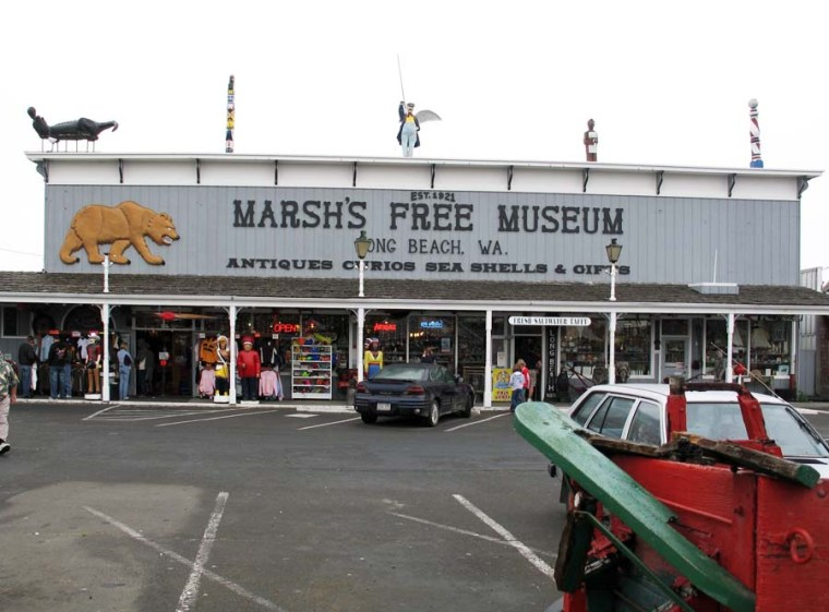 Marshs-Free-Museum-Long-Beach-WA-July-2008-01