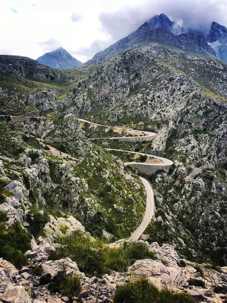 Windy road to Sa Cordoba,  mallorca guide,