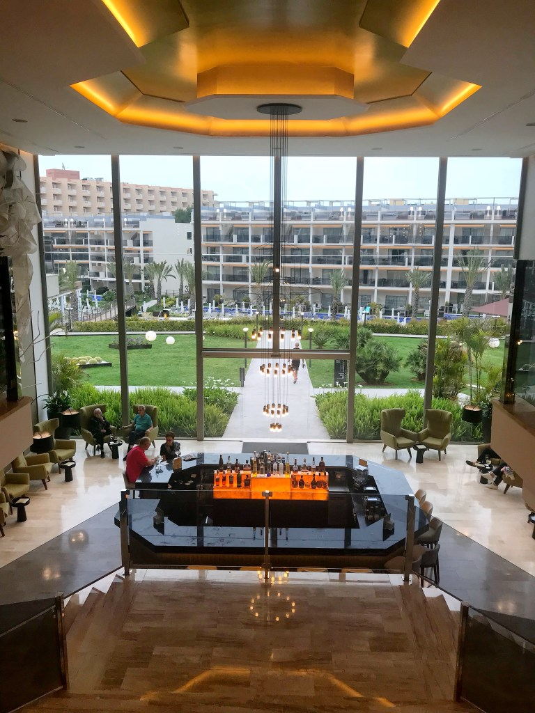Zafiro Palace Palmanova - main lobby,  things to do in majorca,  family hotels,  luxury family hotels,  barcelo mallorca,  holidays in lanzarote